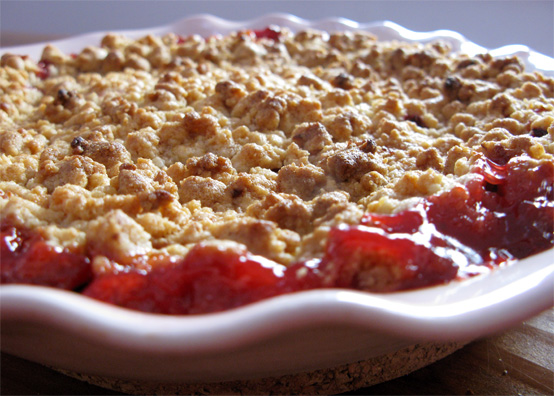 Ethereal Strawberry-rhubarb crumble | Honest Fare