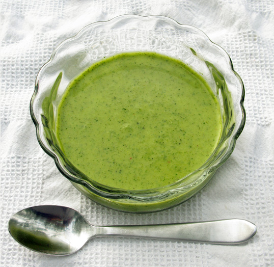 Summertime Detox: Creamy Avocado, Arugula and Broccoli Soup