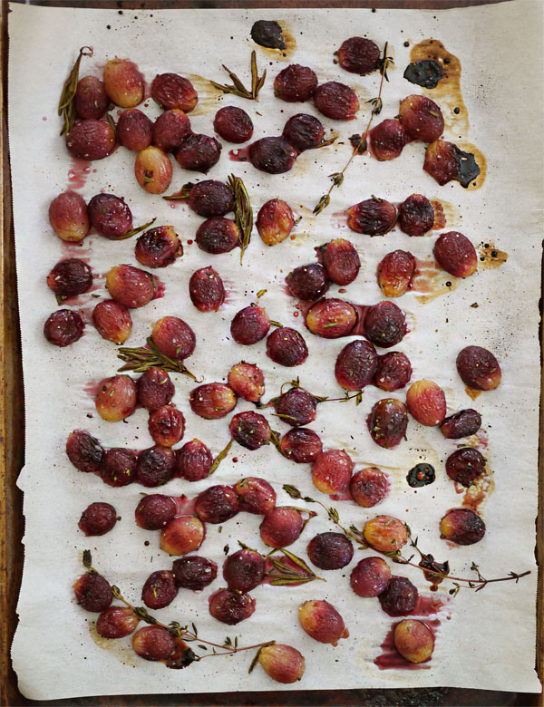 roasted grapes herbs honestfare.com