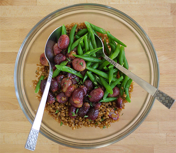 roasted grapes wheat berries green beans honestfare.com