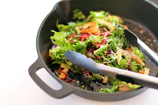pan-warm-endive-and-fennel-salad-554