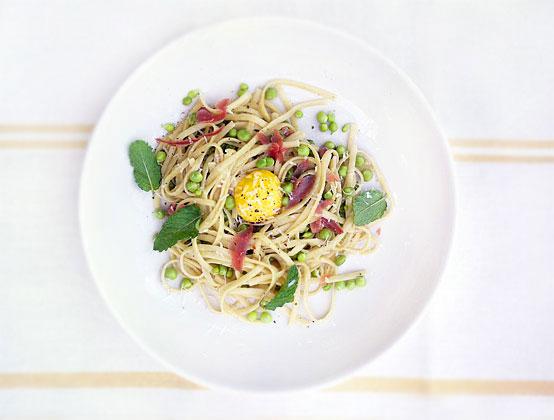 Fresh Mint & Pea Pasta Alla Carbonara, Honest Fare by Gabrielle Arnold