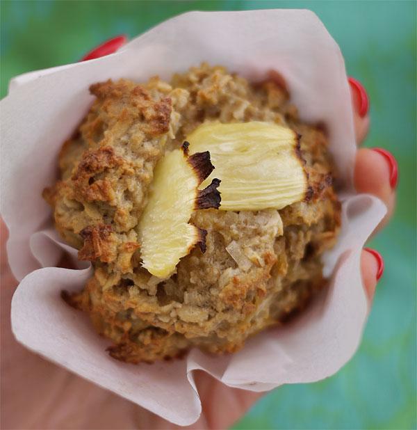 aloha-gluten-free-muffins-in-hand-honest-fare
