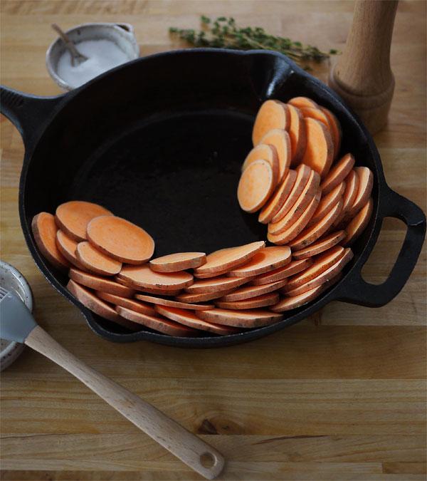Thanksgiving- crispy-sweet-potato-assembly_honestfare.com